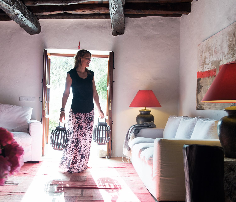 Casa sul Mare ad Ibiza Soggiorno Rustico con Travi a Vista | Картина ...