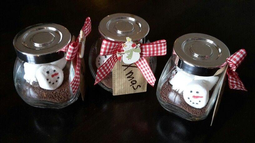 kakao mit schneemann marshmallows verziert mit lebensmittel farbstiften toll zum. Black Bedroom Furniture Sets. Home Design Ideas