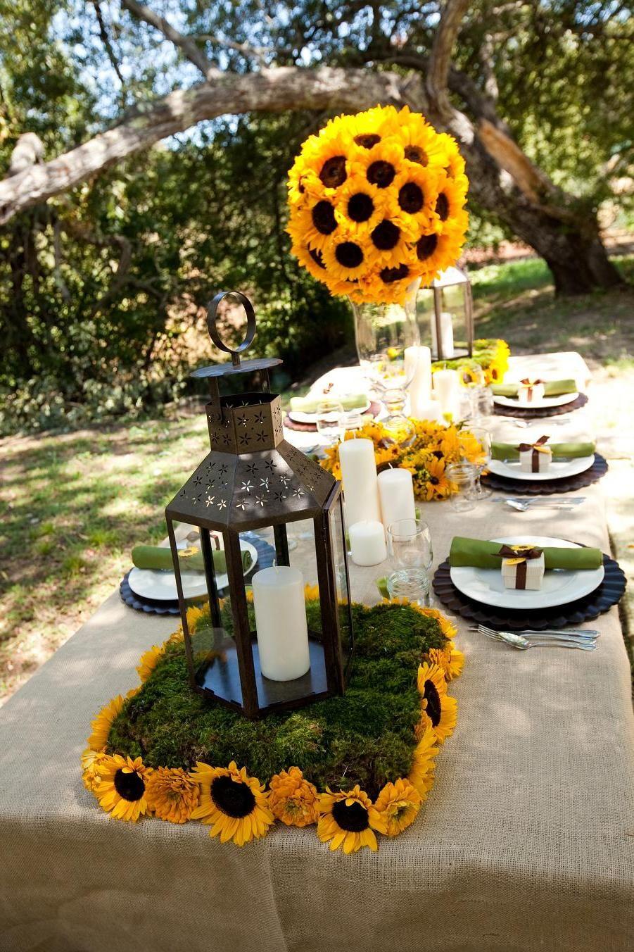 Winter sunflower weddings sunflower wedding decor ideas for Wedding dinner decoration ideas