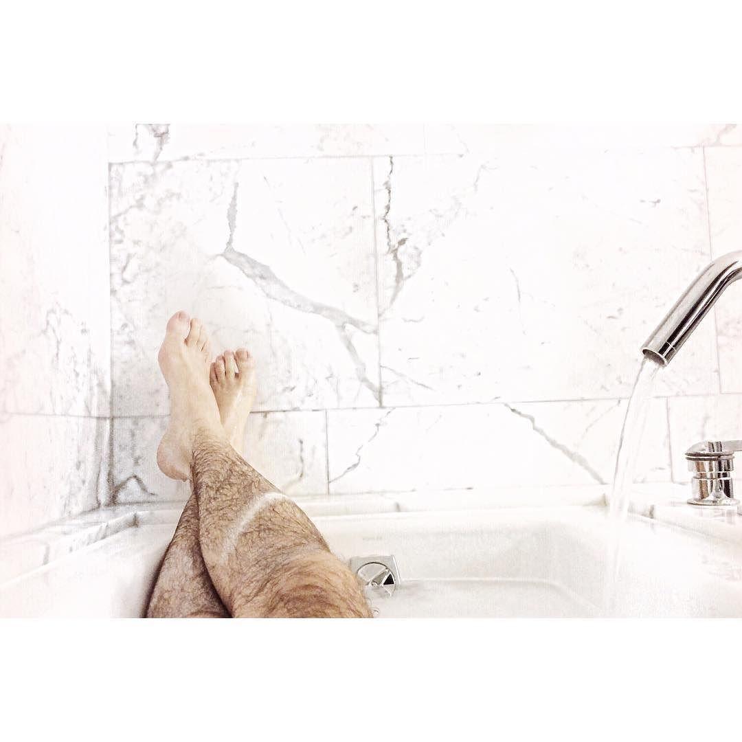 bain de minuit.   #bath #tgif #zen #relax #hotel #vscocam #weekend by francisguindon