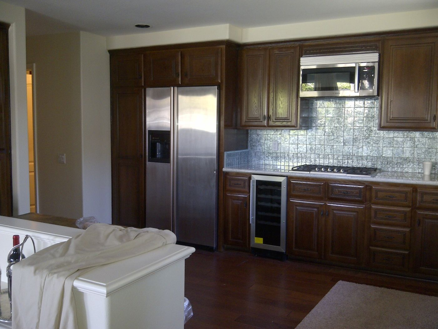 There Are So Many Different Ways To Improve The Look Of Furniture Cabinets And Walls We Have Included Some Photos Kitchen Cabinets Cabinet Painting Cabinets