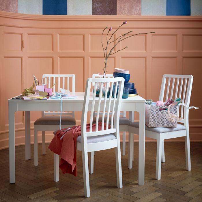 ikea deutschland ein kurzer ekedalen ausziehtisch in. Black Bedroom Furniture Sets. Home Design Ideas