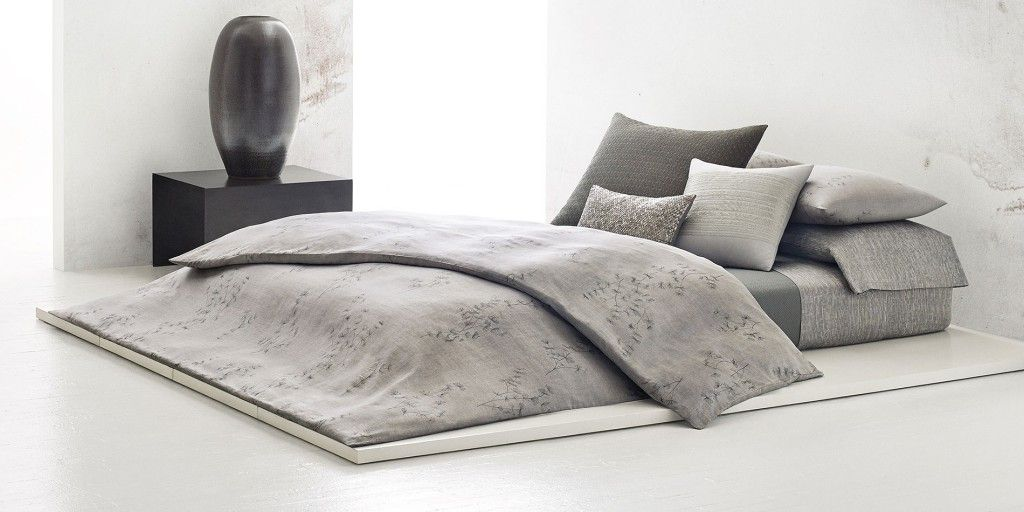 parure de lit calvin klein acacia en coton 120 fils cm soldes haut de gamme yves delorme. Black Bedroom Furniture Sets. Home Design Ideas