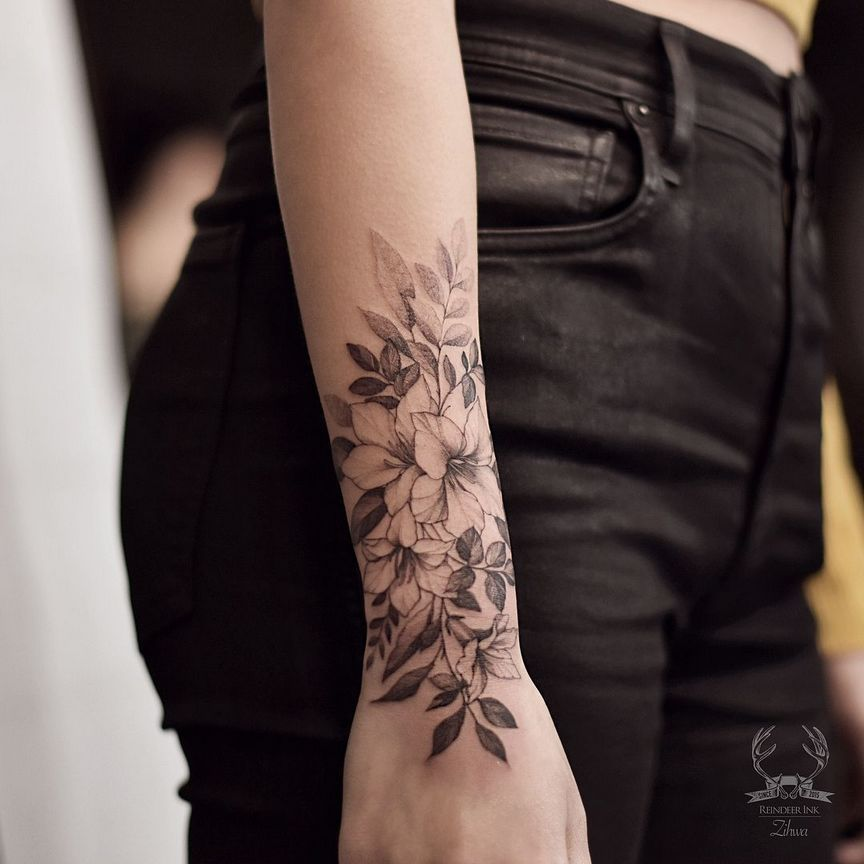 70+ Simply of Beautiful Flower Tattoo Drawing Ideas for Women #tattoodrawings