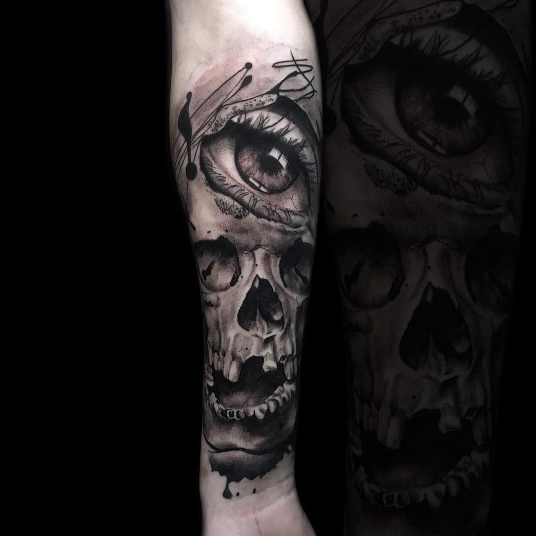Czaszunia ☠️👁 #eye #eyetattoo #skullart #skulltattoo #skull #blackandgrey #blacktattoo #blacktattooart #greywash #greywashtattoo #realistictattoo #realisticink #tattoo #tatt #tattoogirl #tattooinspiration #poland🇵🇱 #polandink #realistictattooing #ktosieniedziaratenfujara #płock #plock #sierpc