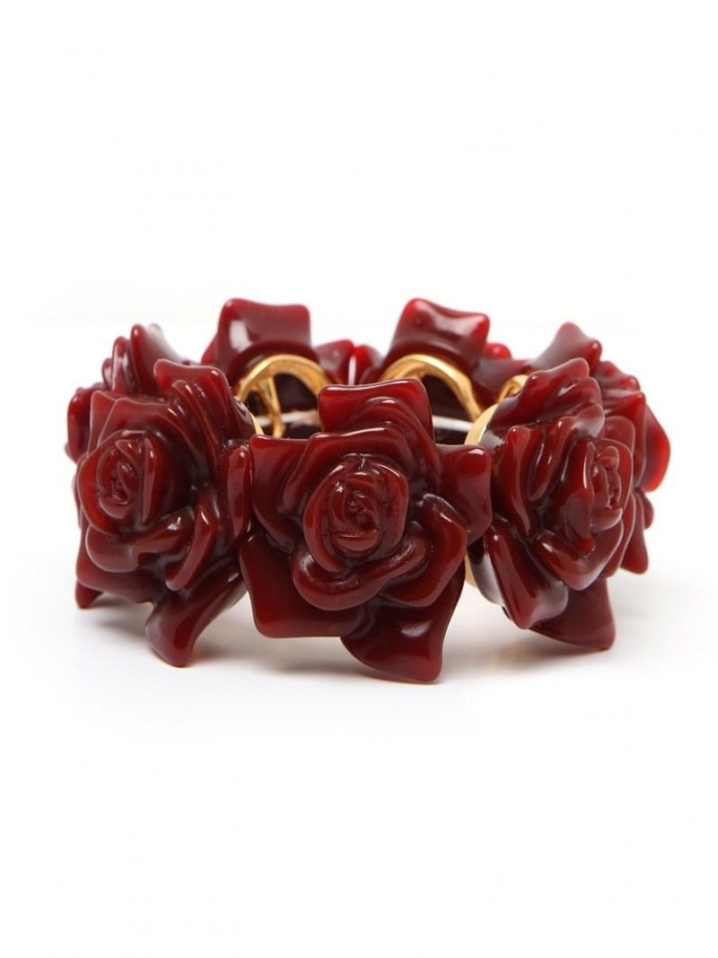 15% off at @Baublebar for 24 hours only!!! Use Code: APRILFAN04229 I think I might pick up this Red Rose Cuff