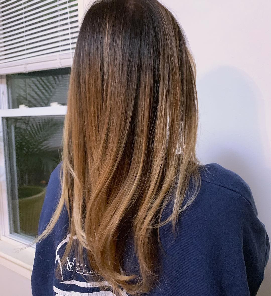 Soft Blend High Contrast Brown Blonde Balayage Lightened Using Schwarzkopf Blondme Ligh How To Lighten Brown Hair Brown To Blonde Balayage How To Lighten Hair