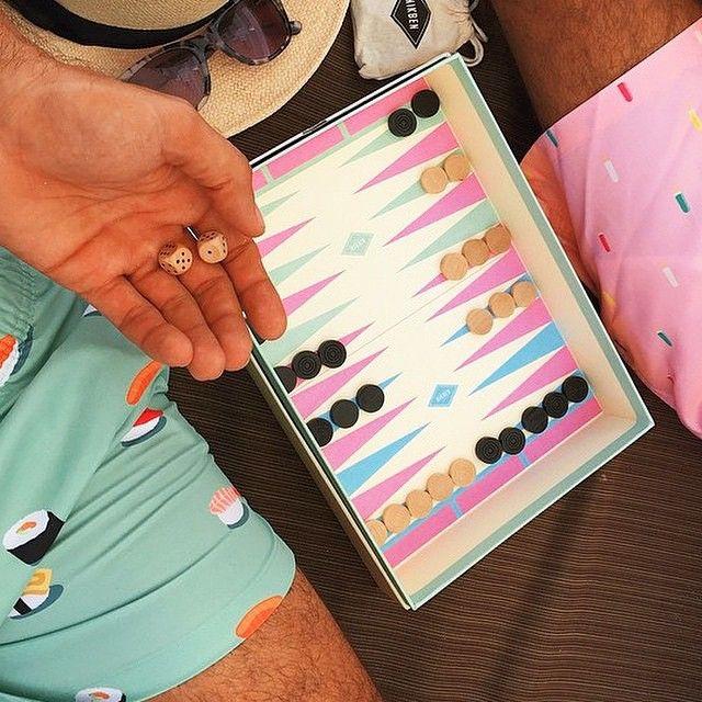 With every order at nikben.com you'll get your trunks in a backgammon gift box. ______________________________________ #nikben #getwetinstyle #beachtrunks #bathingtrunks #swimtrunks #swimmingtrunks #beachwear #swimwear #beachshorts #swimshorts #beachlife #poollife #badbyxor #badbrallor #summer #trajesdebaño #mensstyle #fashion #gentlemen #styleguide #dapper #mensfashion #boardshorts #smartpackaging #backgammon