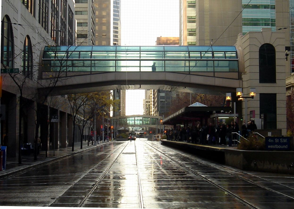 Places Journal Explores the Past, Present and Future of Urban Skyways