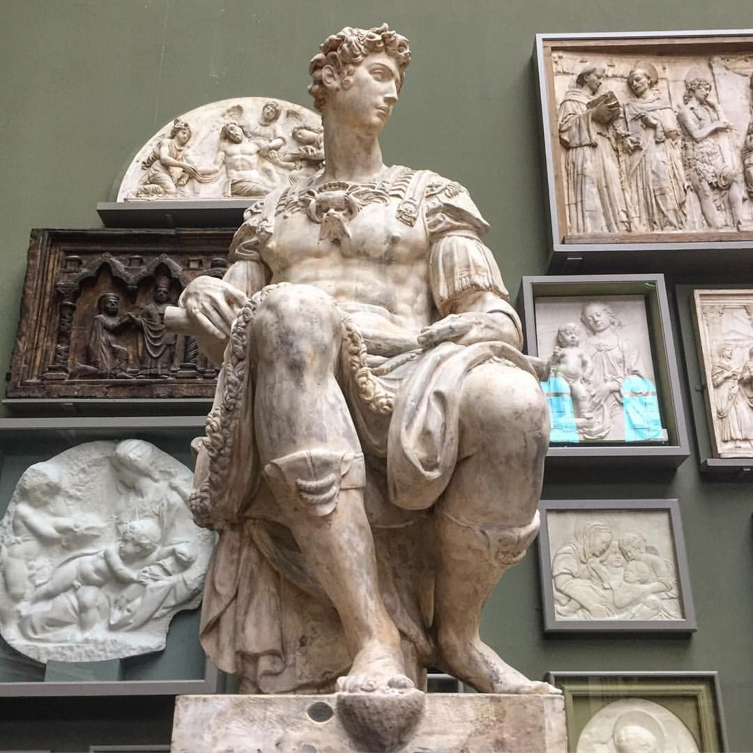 Miss Tさんはinstagramを利用しています Cast Of The Sculpture Of Giuliano De Medici By Michelangelo From His Tomb In San Lorenzo Florenc Michelangelo Art History Statue