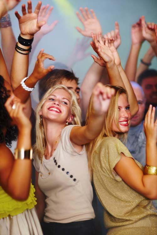 3191_1336650555_chicas bailando.jpg (500×750)