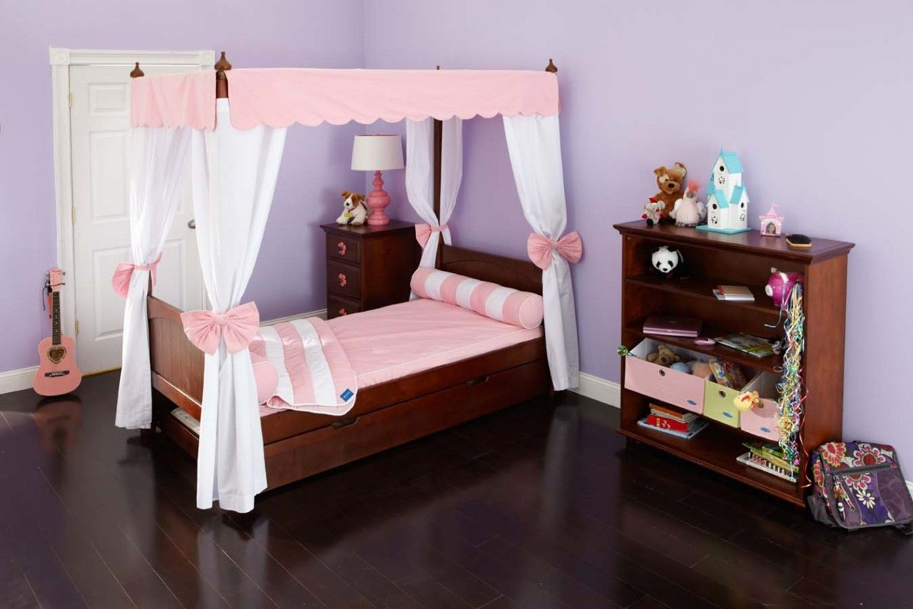 Goldilocks 4 Poster Bed So Pretty! Toddler canopy bed