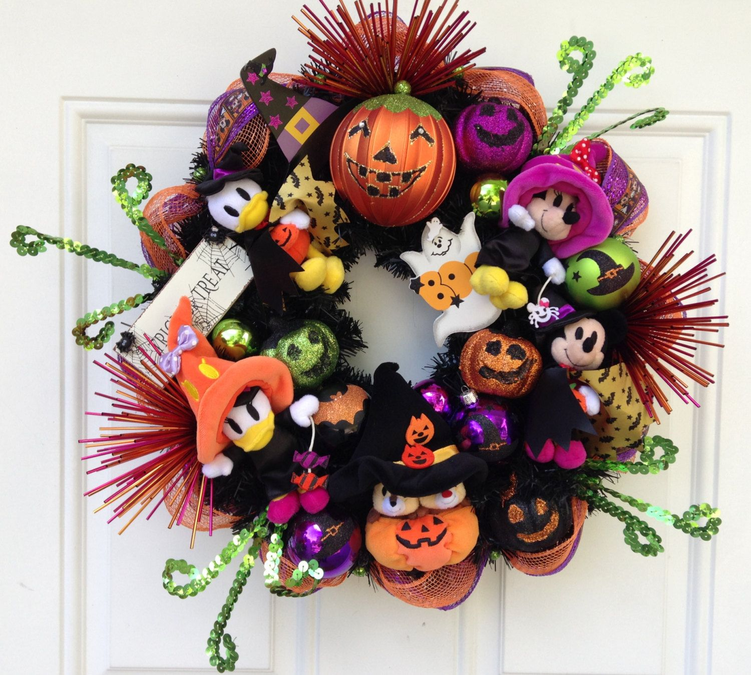 Disney Halloween Wreath Pinterest Disney halloween, Wreaths and - Minnie Mouse Halloween Decorations