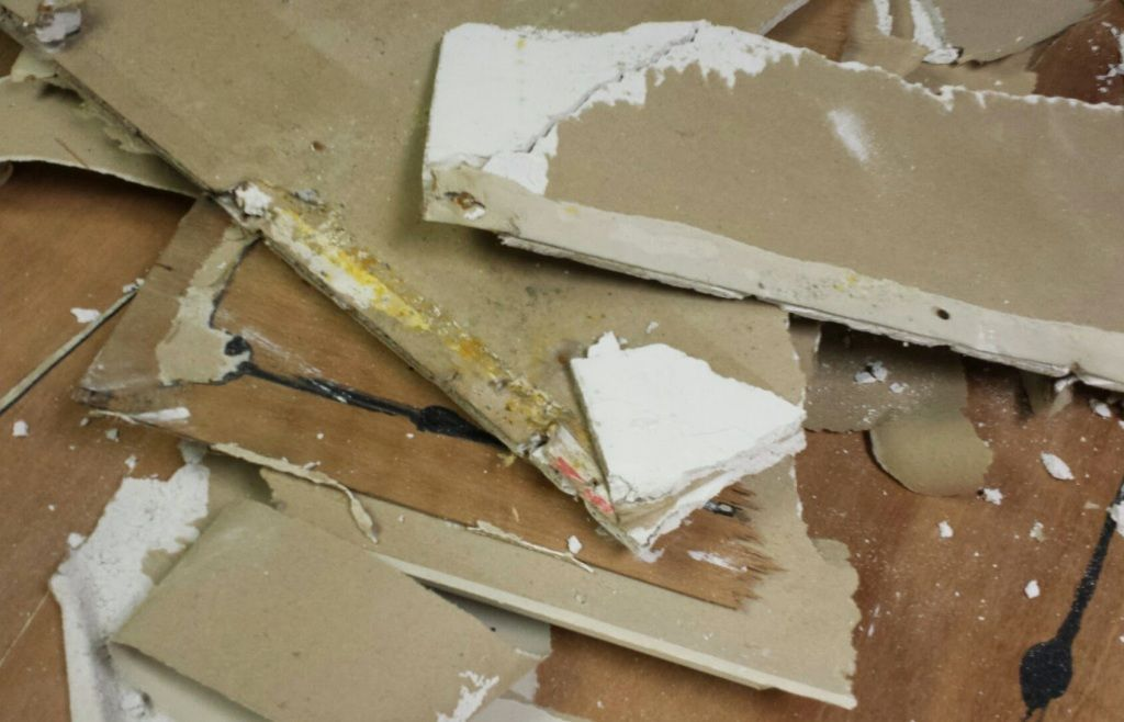 what does mold damage look like on drywall. Black Bedroom Furniture Sets. Home Design Ideas
