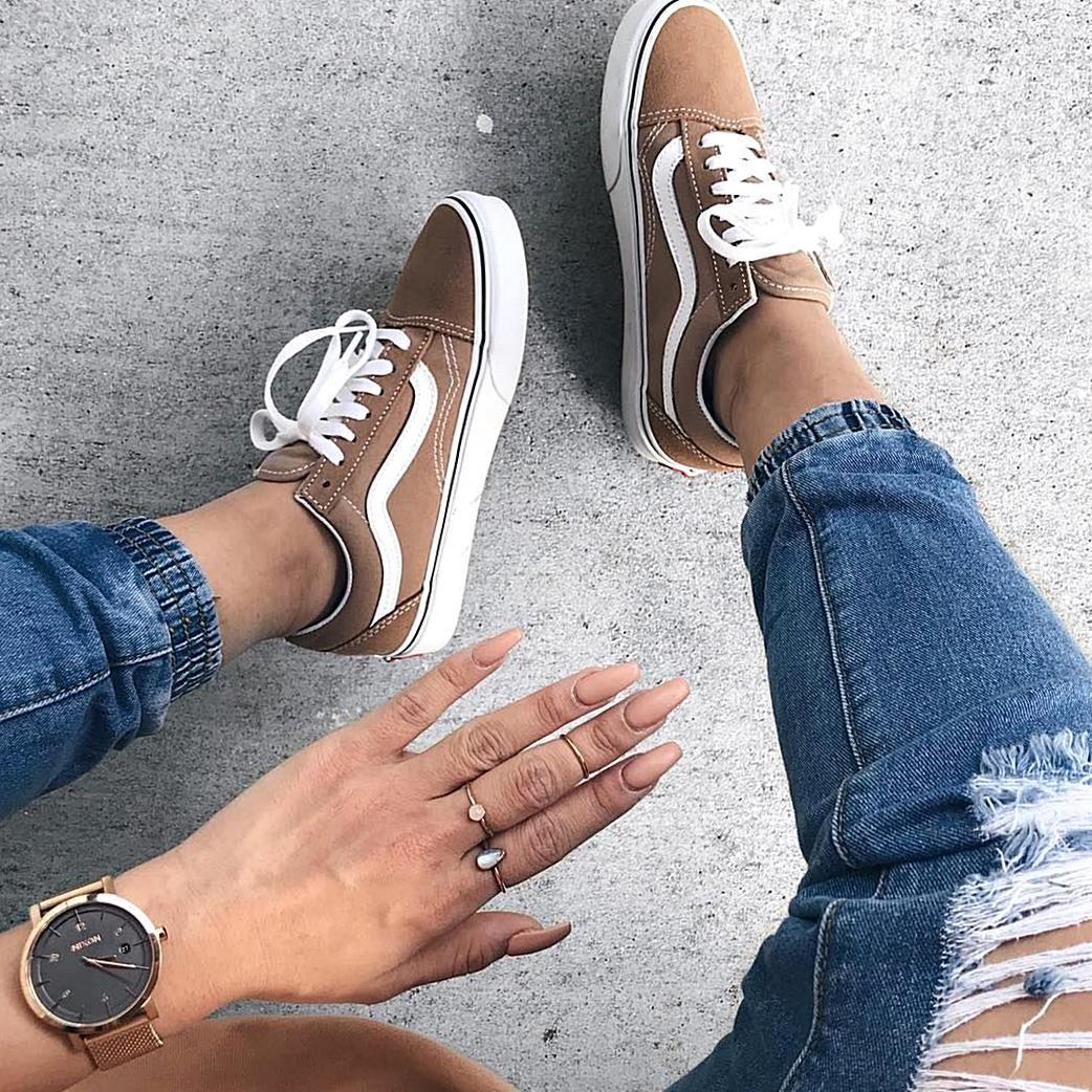 Auf unserem Sneakerblog bleibst du uptodate was neue SneakerReleases angeht Du findest auch genug andere News und kannst dich inspirieren lassen. Wir ...