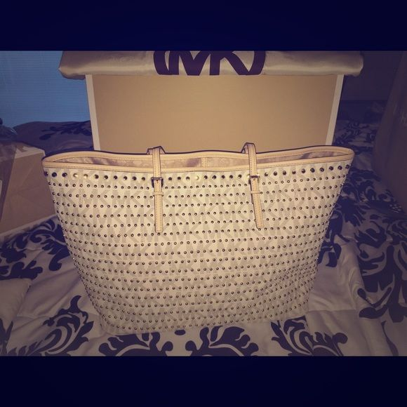 Mk brand new purse Brand new never used also up for trades Michael Kors Bags Totes