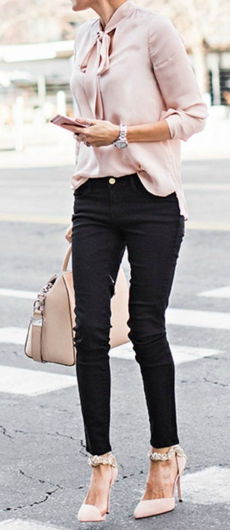 The Blush Pink Trend That Will Change Your Wardrobe - Outfits And Ideas c8d654963