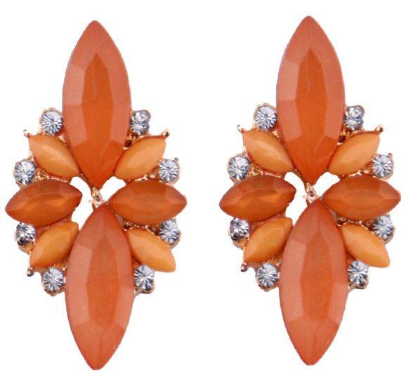 https://www.goedkopesieraden.net/Gouden-luxe-oorstekers-met-oranje-stenen