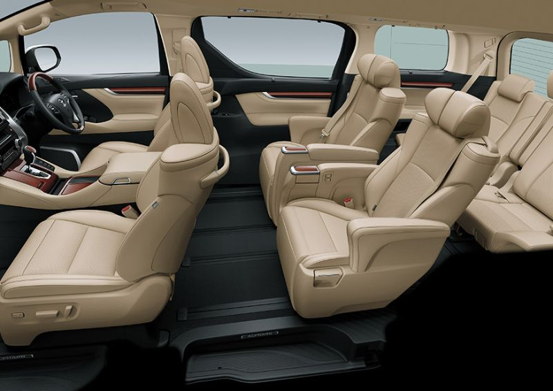 Toyota Alphard 2,5G - Interior - All Seat View - First Class Comfort for The Family - AUTO2000