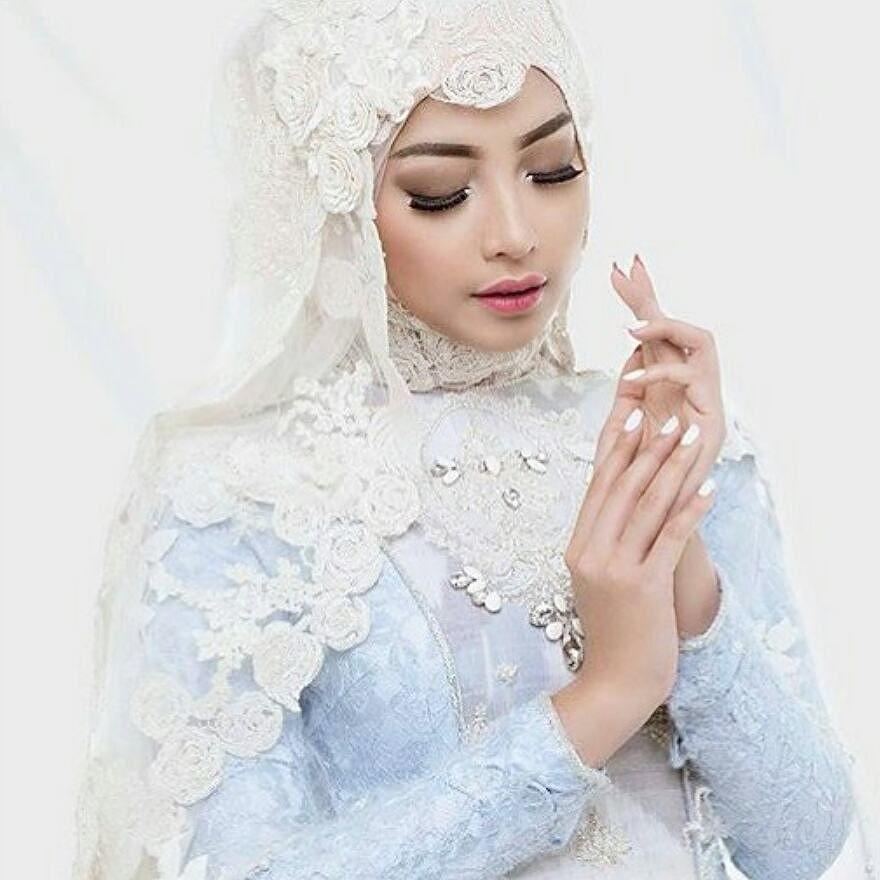 By Ayu Dyah Andari On Instagram Menikah Adalah Impian Setiap Wanita Memulai Hidup Baru Dan Terlahir Sebagai Seo Wedding Makeup Bridal Makeup The Bride Story
