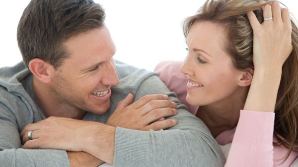 للمتزوجين فقط تعرف على أهم الخطوات للحفاظ على حياة زوجية سعيدة منوعات Abs Couple Photos Photo