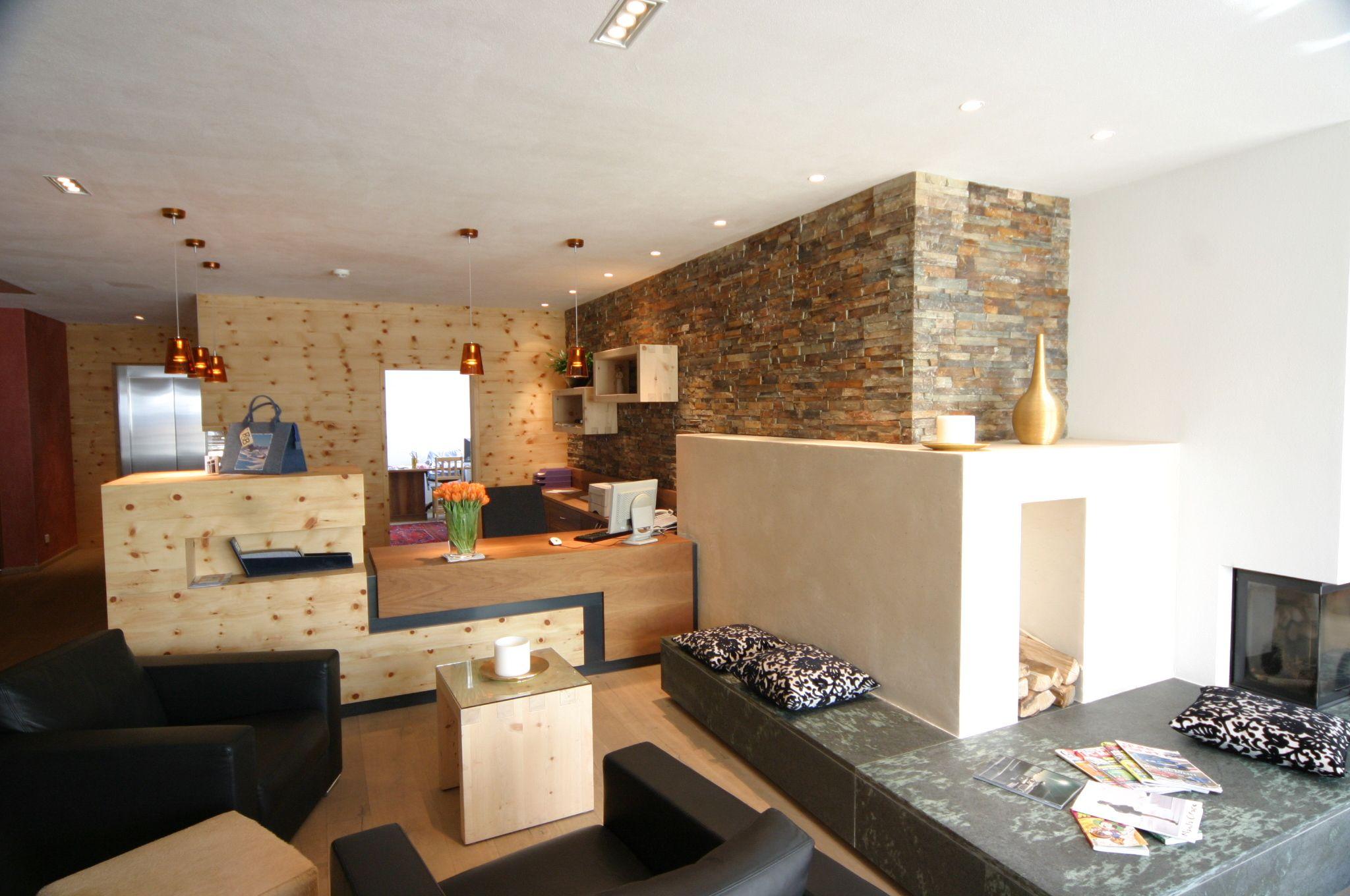 #Wand #Naturstein #Fliesenbau #Hotel Ciasa Lara