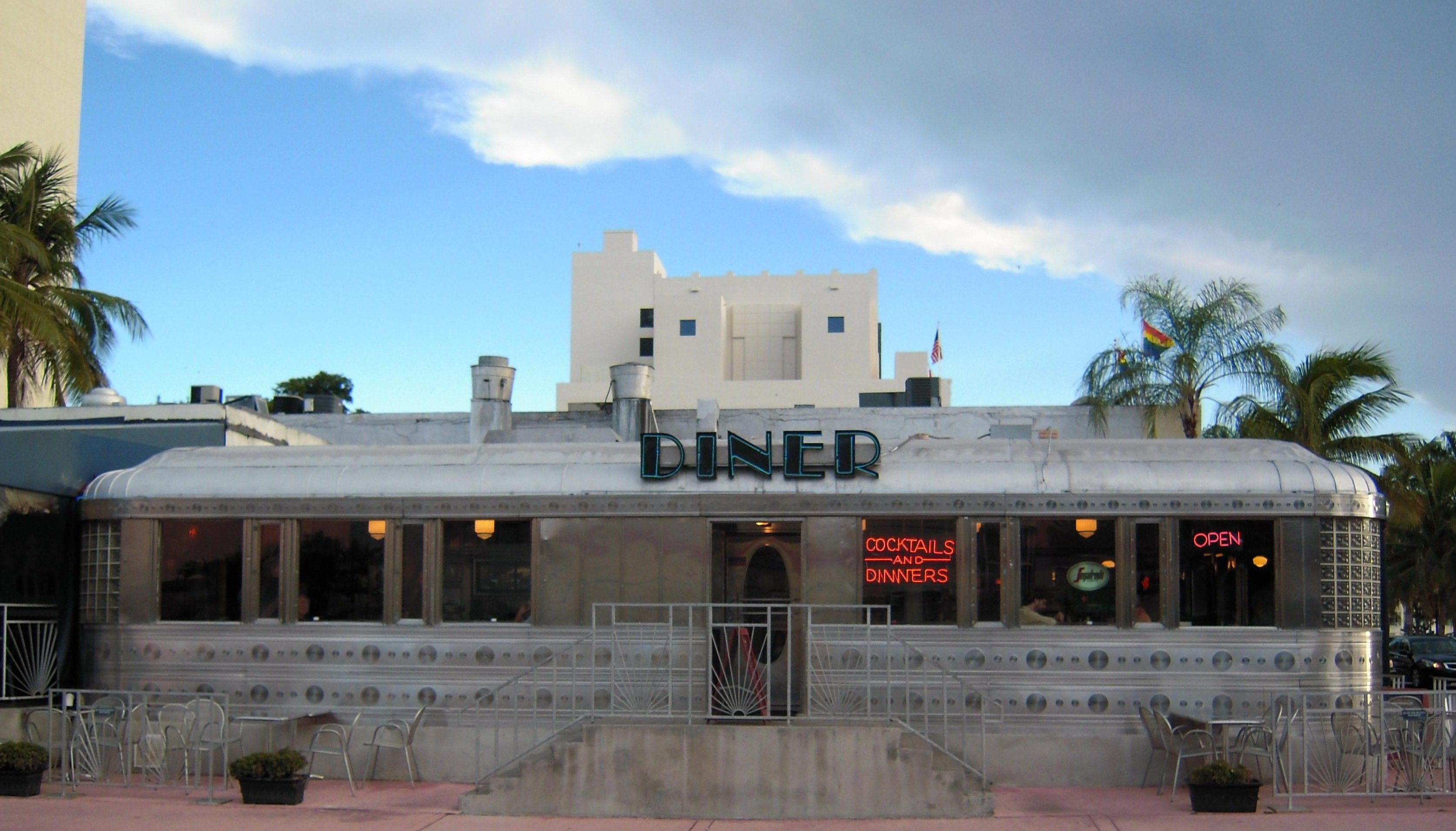 Do You Love Classic American Diners 11th Street Diner South Beach Miami