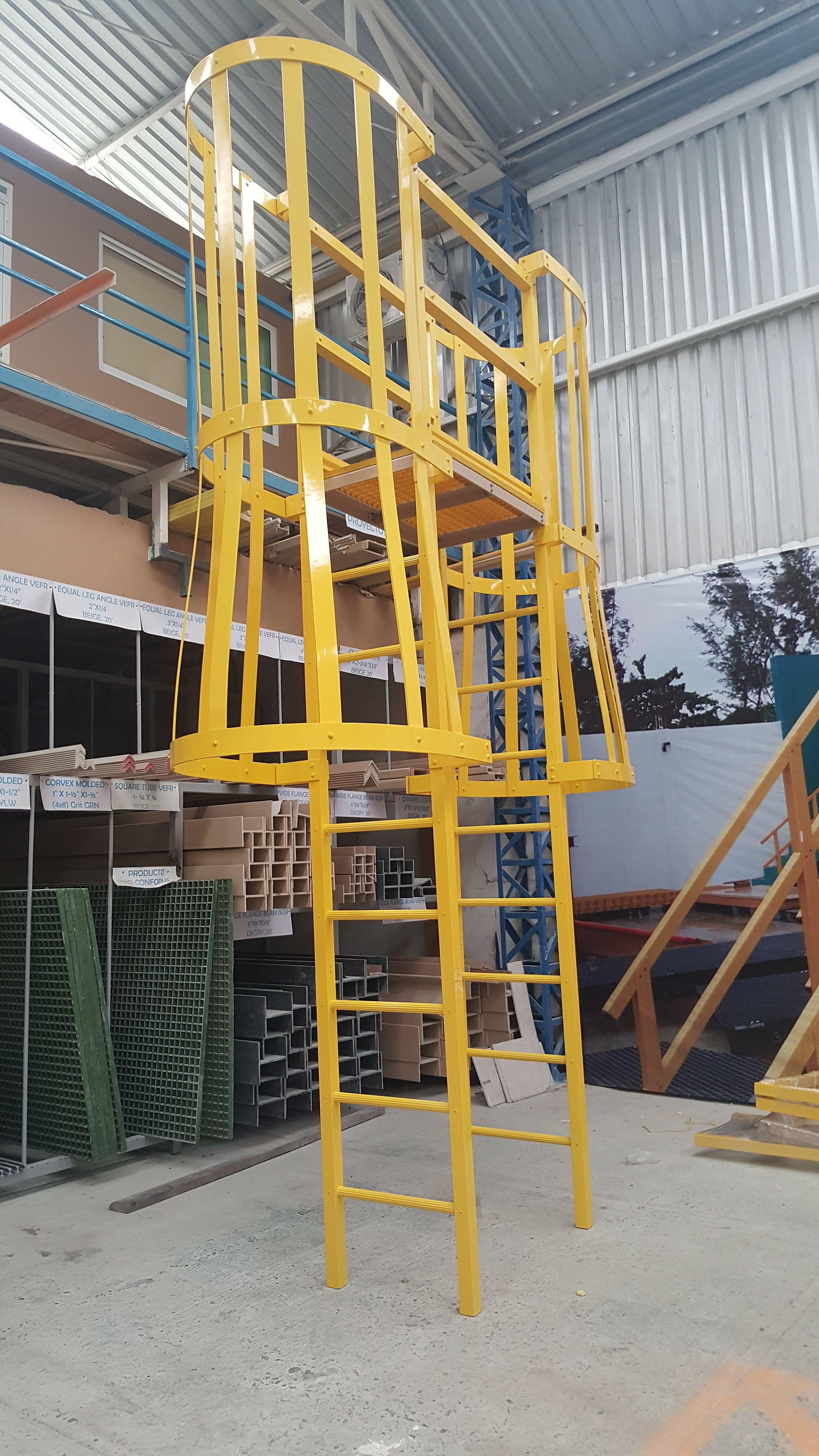 Escalera marina de fibra de vidrio frp fibra de vidrio for Escaleras fibra