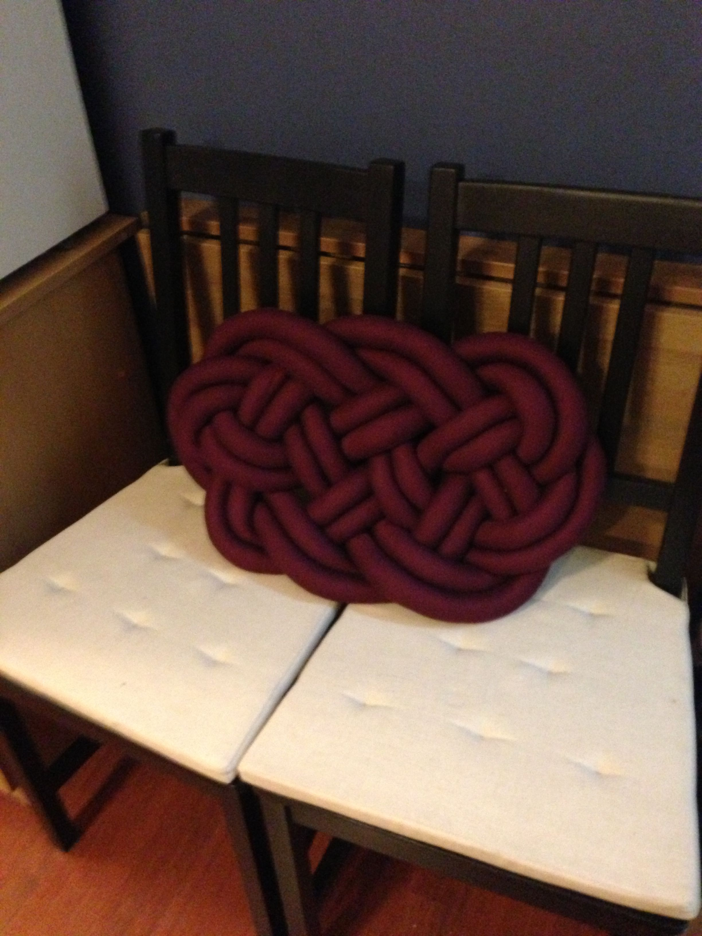 Another Celtic knot pillow | Home ideas | Pinterest