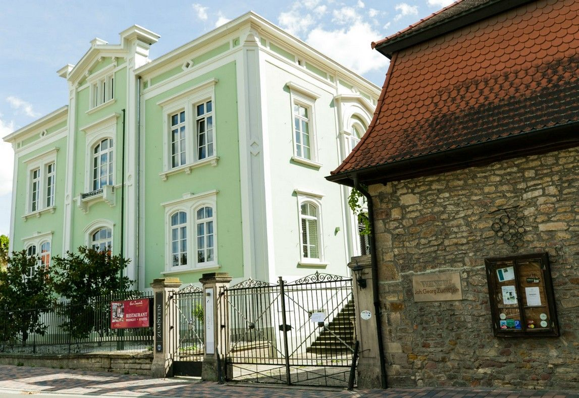 Heiraten Auf Dem Weingut Zumstein In Bad Durkheim Weingut Weingut Pfalz Pfalz