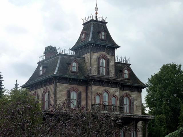 The Scariest Haunted Houses In Seattle And Tacoma Real Haunted Houses Haunted House Stories Haunted House