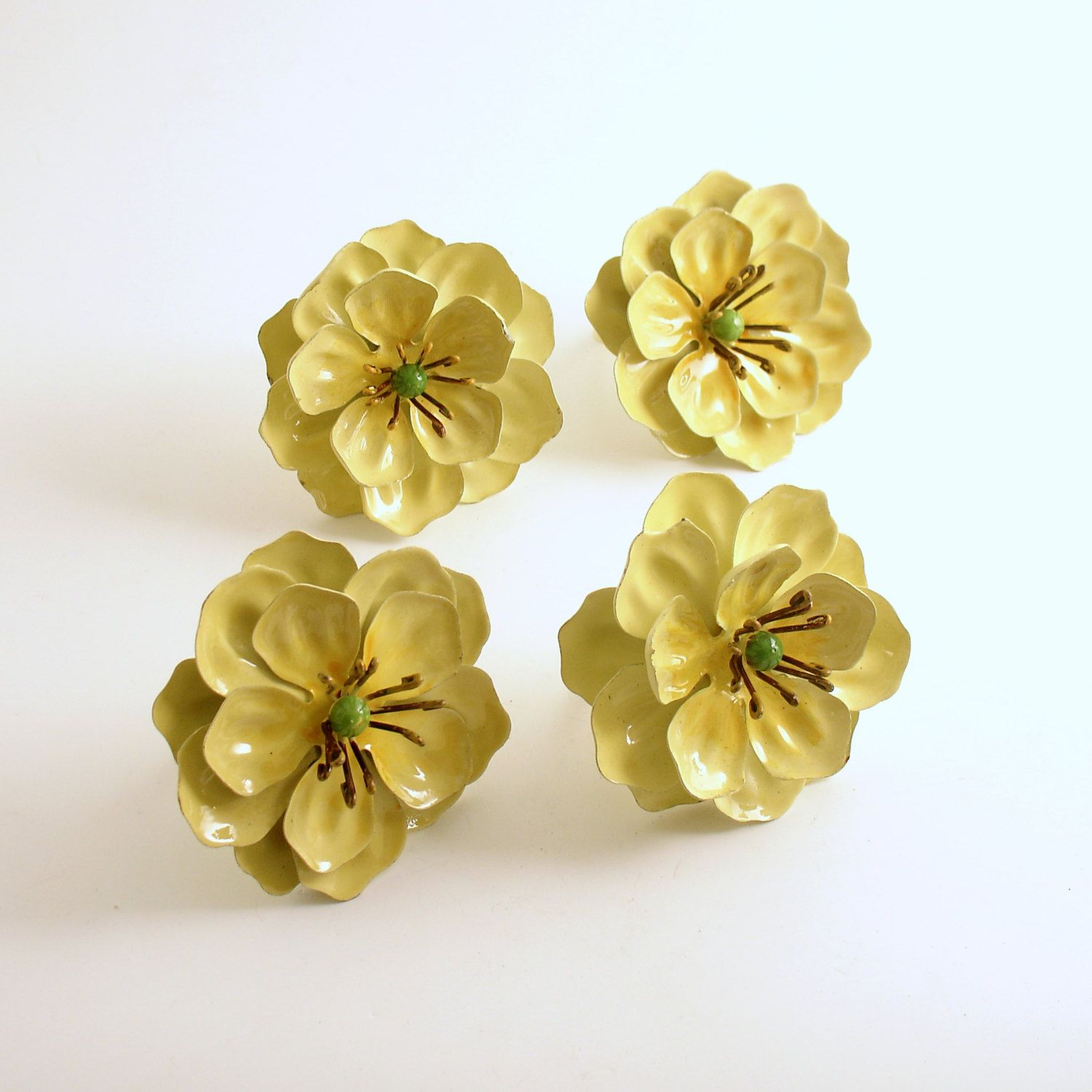 Vintage Tole Metal Flower Napkin Rings Set | Napkin rings