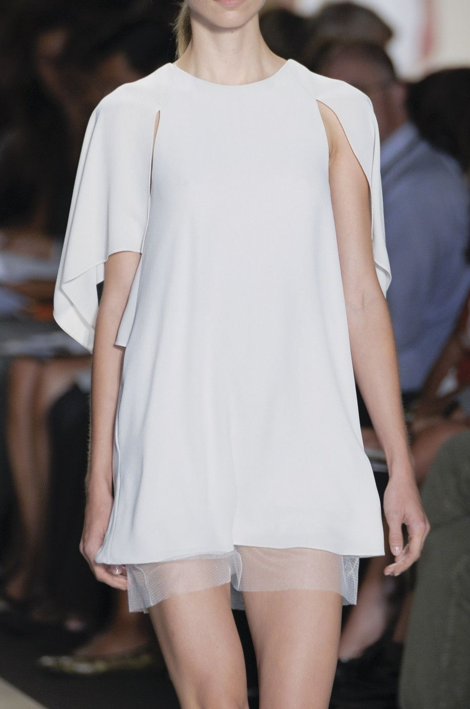 Get BCBG Max Azria's Spring 2011 Beauty Look images