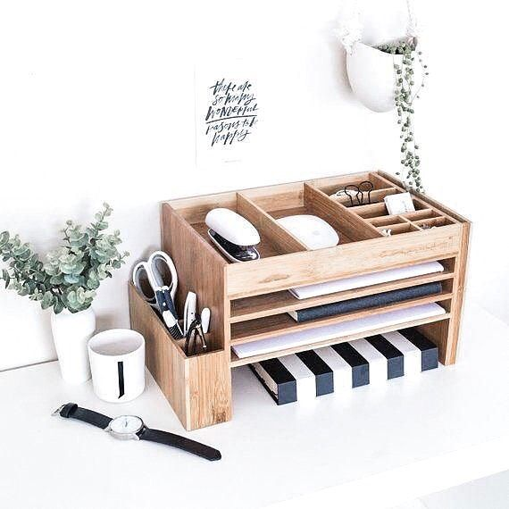 Small Officedesk Decorating: Who Else Loves An Organized Workspace? This Desk Setup Is