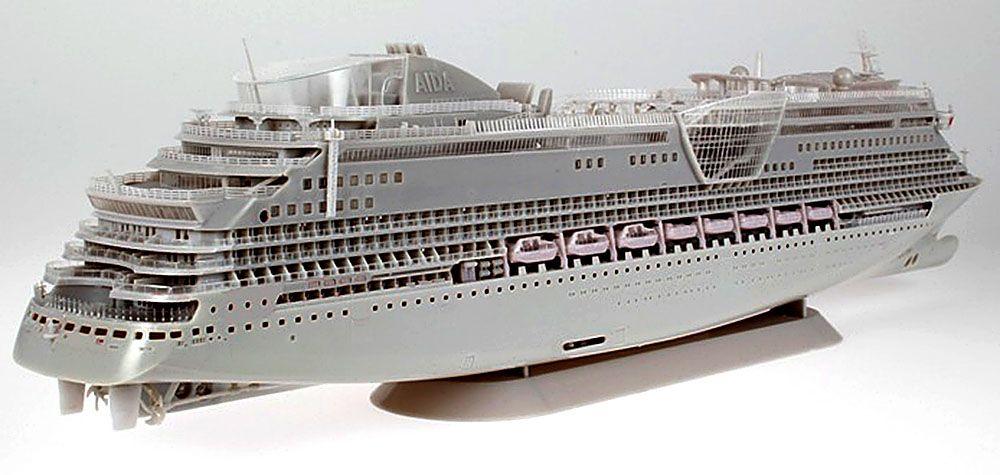 REVELL AIDA DIVA CRUISE SHIP TEST SHOTS OF UPCOMING KIT - Model cruise ship kits