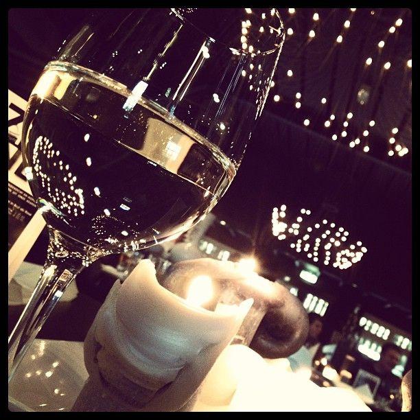 En dan nu... Genieten van lekker eten, wijn en gezelligheid met lieve vrienden!