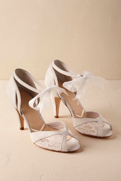 lace wedding shoes || almeria lace bridal heels | vintage bridal
