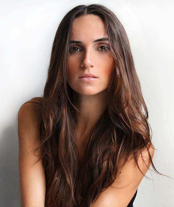 What do portuguese women look like