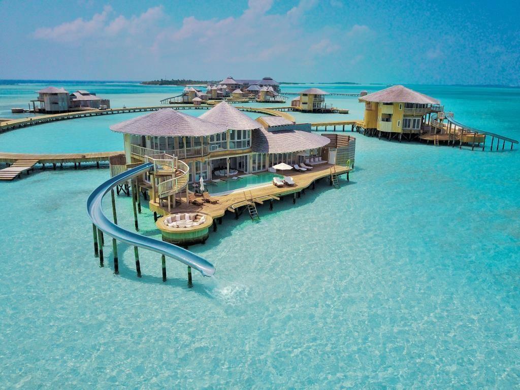Maldives travel scoot