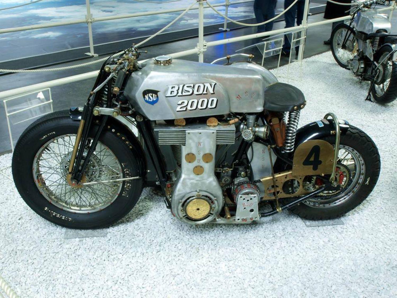 Nsu Bison 2000cc Avec Images Motos Anciennes Motos Voiture