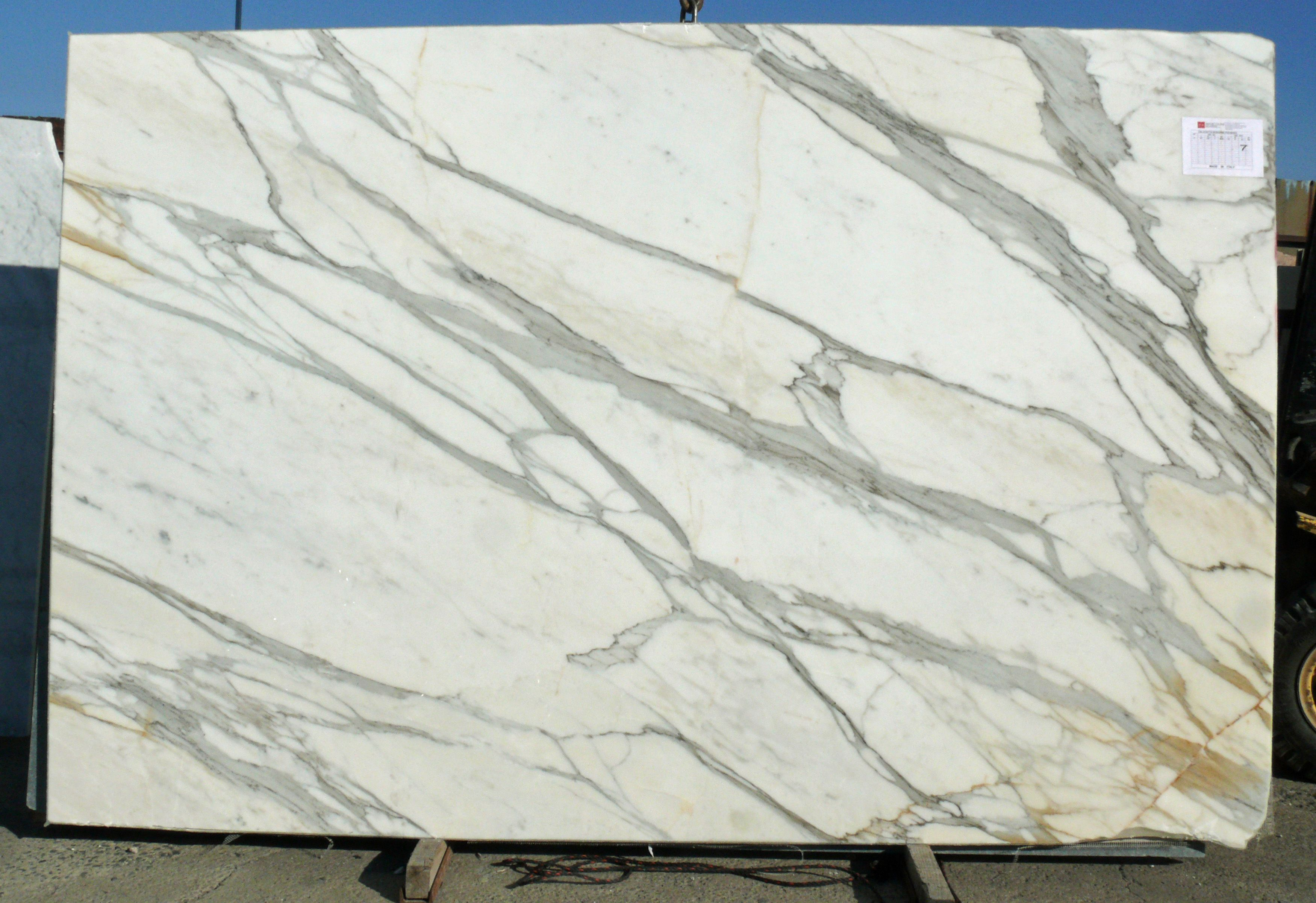 The Difference Between Carrara Amp Calacatta Marble This Is