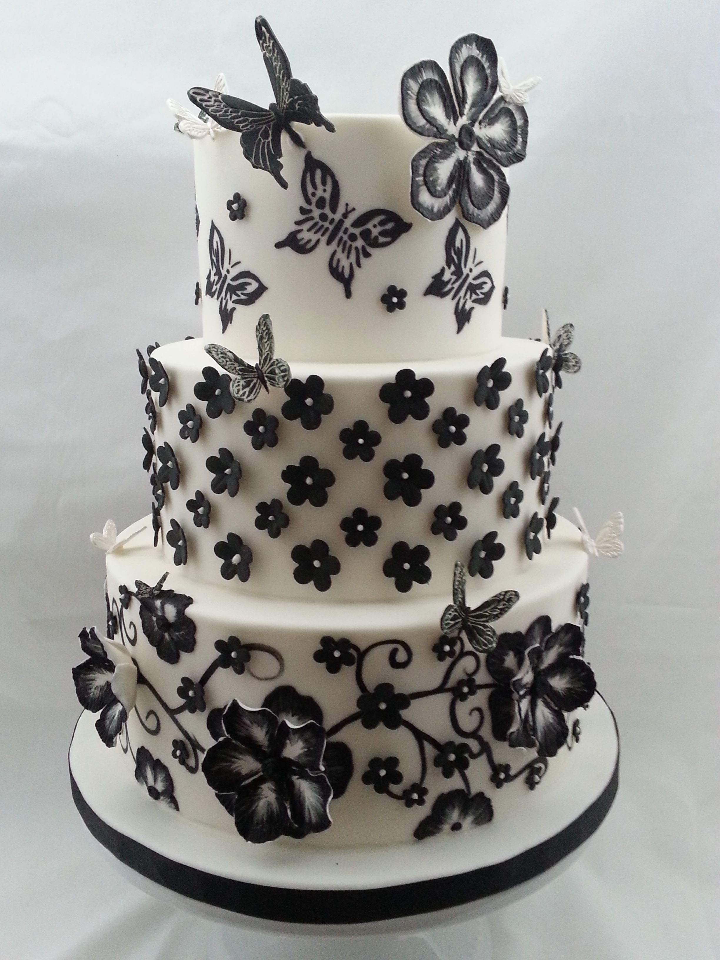 Brush Embroidery Flowers Directly On Cake And Gumpaste Flowers With