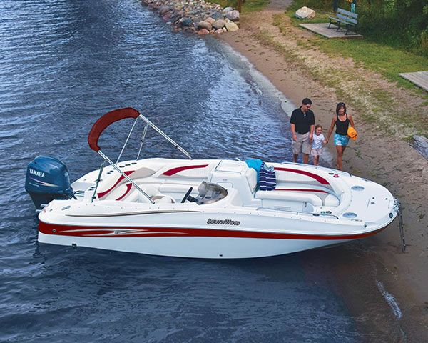 Southwind Deck Boats Not Your Father S Pontoon Boats Check Out The 200 Deck Boat Boat Pontoon Boat