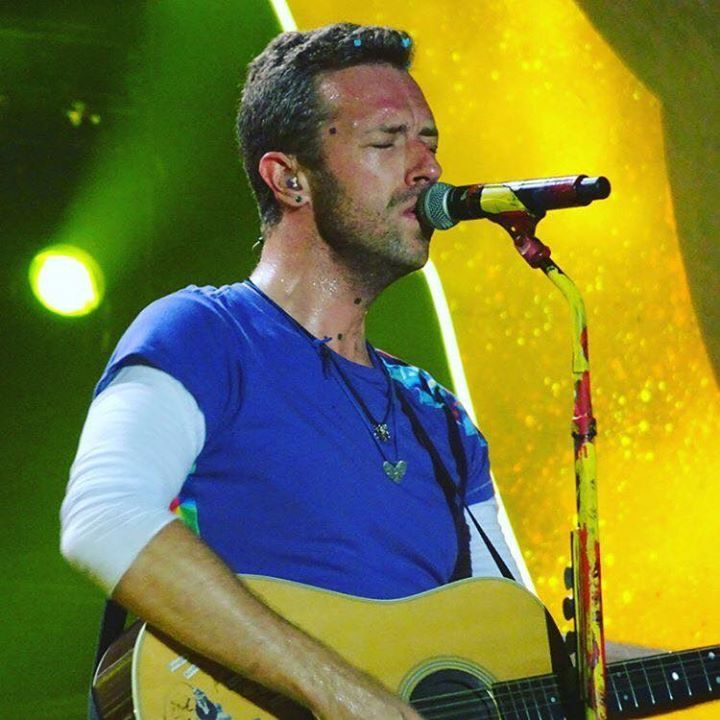 Pin By Diana On C Ldplay Coldplay Blue Eyed Men Chris Martin