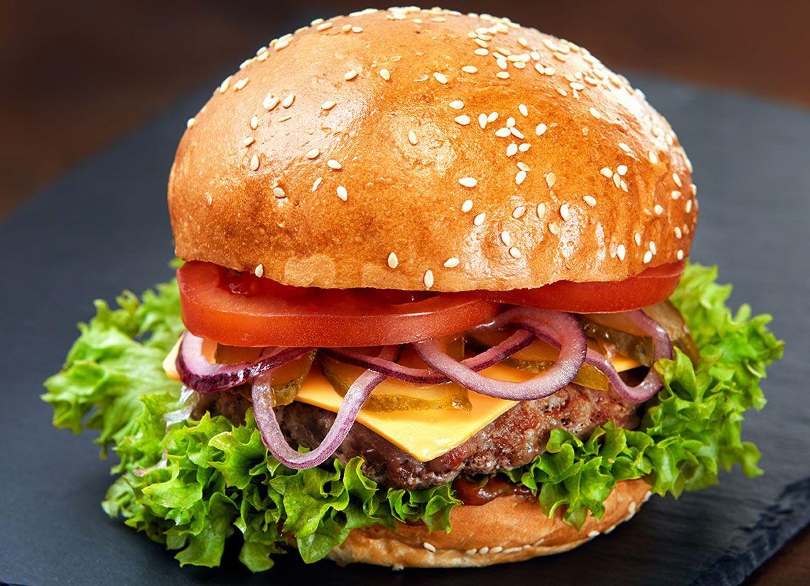 Hamburger cu carne de porc