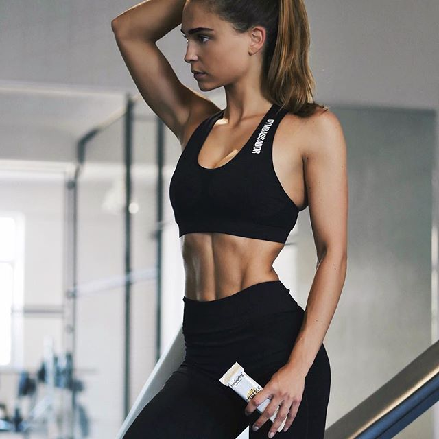 74475be31d858  friyay starting my day with a gym session - what about you  My perfect  after workout snack is the protein bar by  foodspring get 15% off with the  code   ...