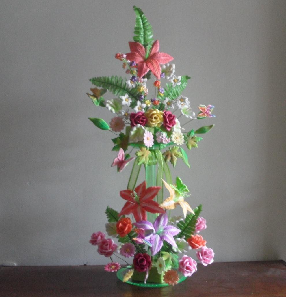 Pin de Rosa Cándida en FLORES DE FOAMI | Flores de fomi, Flores, Arreglos  florales