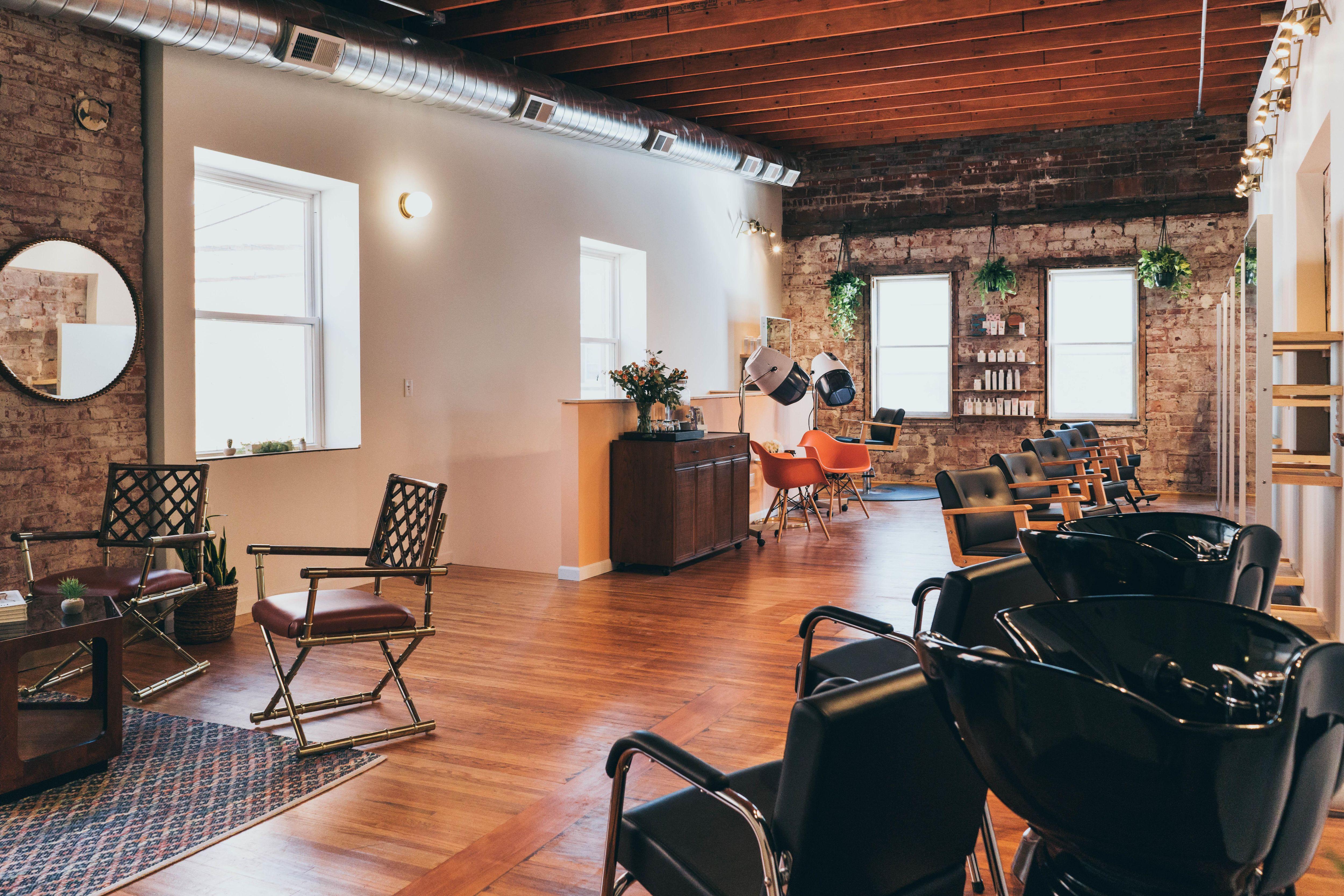 Roots Collective In Lincoln Ne Vagaro Studio Decor Home Decor