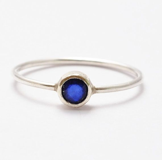 Blue sapphire and Emerald Ring in sterling silver Gemstone silver band Gift for her Bridesmaids gift Office jewels Minimalist jewels