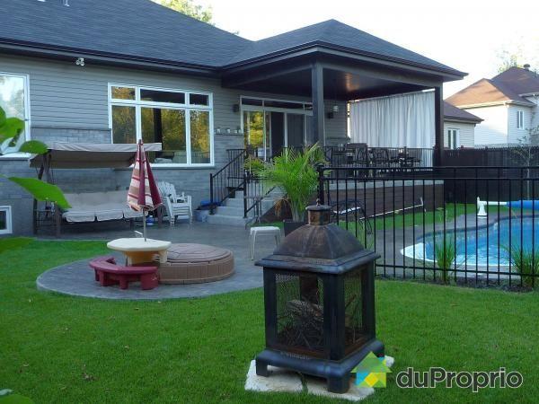 jetez un coup d oeil cette superbe propri t vendre longueuil st hubert piscine. Black Bedroom Furniture Sets. Home Design Ideas